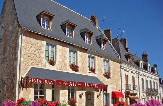 Facade Le Xii de Luynes, Restaurant Gourmand | Hotel de Charme