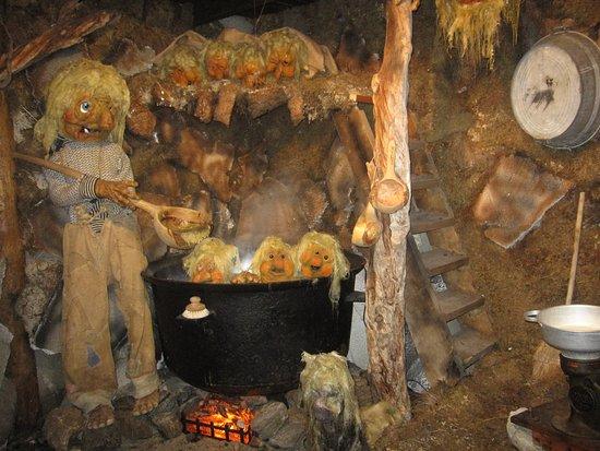 Senja, Norvegia: Han koker ikke barna sine, han vasker dem.....