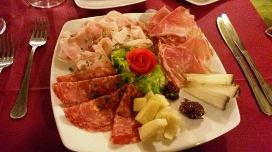 Niscemi, إيطاليا: Affettati e formaggi