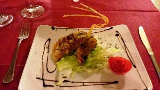 Niscemi, إيطاليا: salame crudo con pomodori secchi passato alla piastra