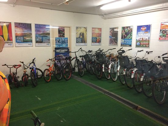 Golden Shores Holiday Club: Bike Store