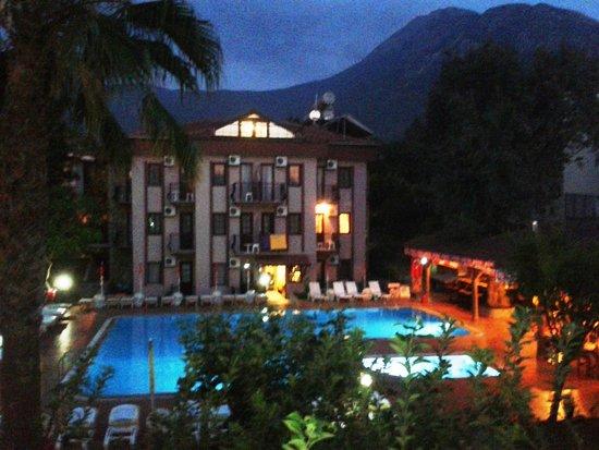 Ozturk Hotel Hisaronu: night at Ozturk