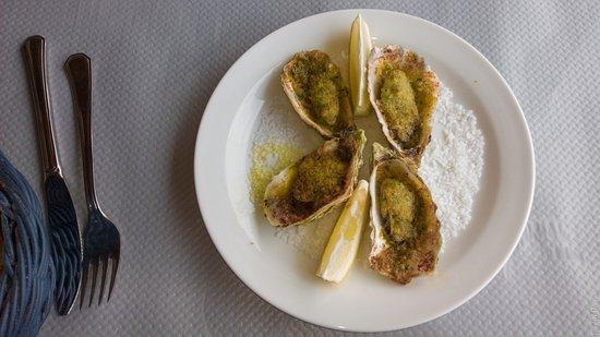 Centuri, Frankrike: Huîtres chaudes au parmesan