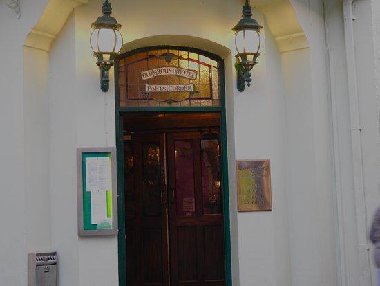 Ennis, İrlanda: Entrance to the Poets Corner.