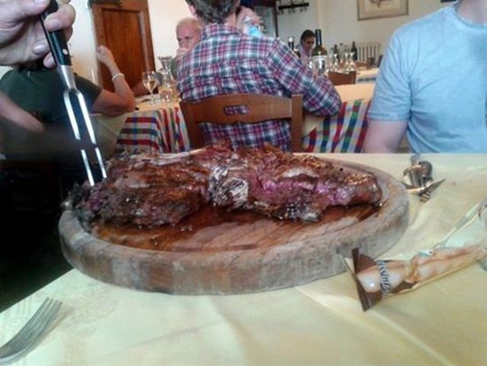 Badia Tedalda, Ιταλία: la famosa Fiorentina...si raccomanda al sangue.