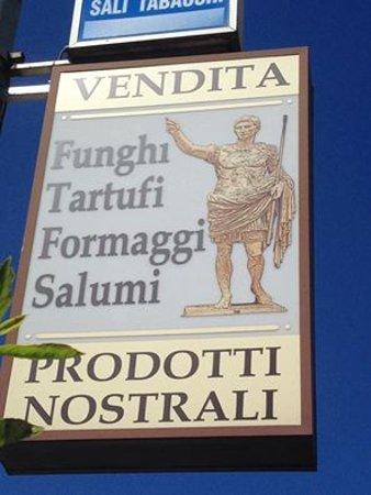 "Badia Tedalda, Ιταλία: Fate voi c'è tanta roba e per i motociclisti ""favolosi panini"""