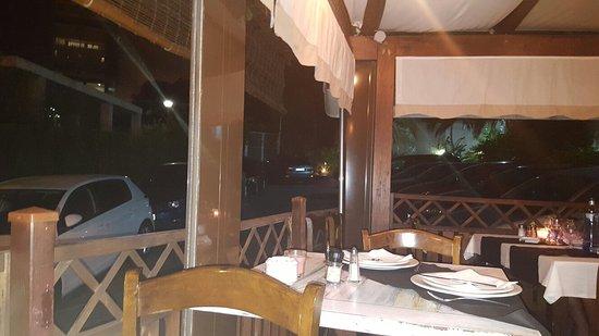 Atenas, Costa Rica: Restaurante el tronco.