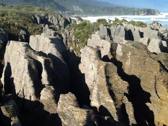 Punakaiki, New Zealand: Easy photo taking from many places