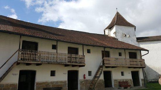 Biserica Fortificată Sânpetru
