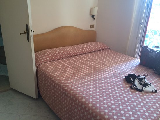 Hotel Dania Sorrento Reviews