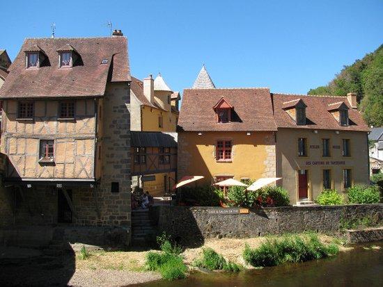 Aubusson, Frankrig: The riverside terrace