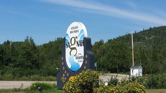 Baie Sainte-Catherine, Kanada: Le panneau est trompeur mais c'est bien là!