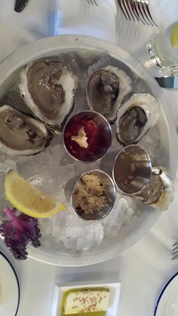 West Hartford, CT: Loved the oysters with horseradish and cocktail sauces.