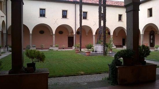 Abano Terme, Italia: IL CHIOSTRO INTERNO