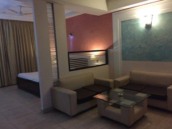 Hotel Royal Residency Photo