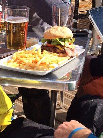 The Haka: Best cheese burger in Morzine!