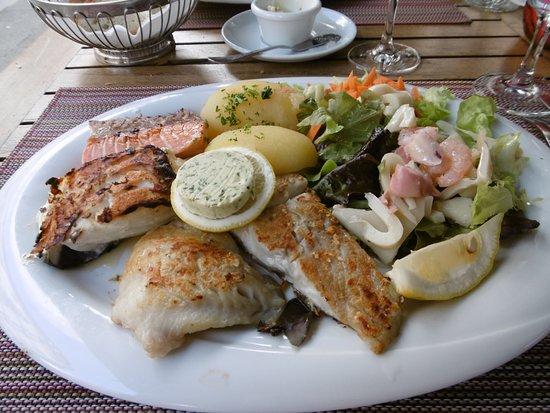 Restaurante Porto: 魚のグリル。4種ありどれもあっさりとして美味しい。