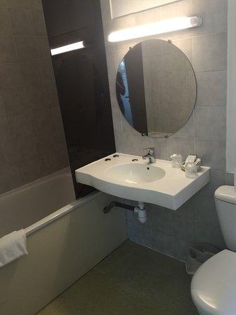 Carbon-Blanc, Francia: Salle de bain