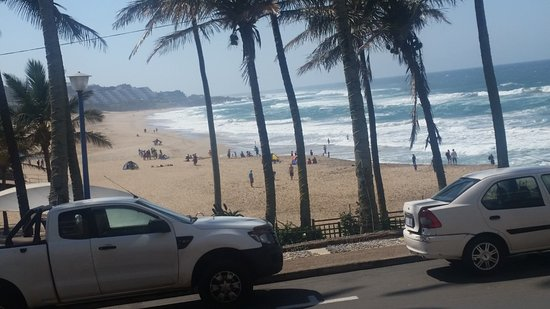 Margate, África do Sul: This is one of the plenty views to the Lovely beach from the balcony. Kust another wiev
