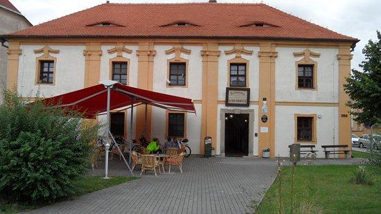 Most, República Tcheca: La belle façade