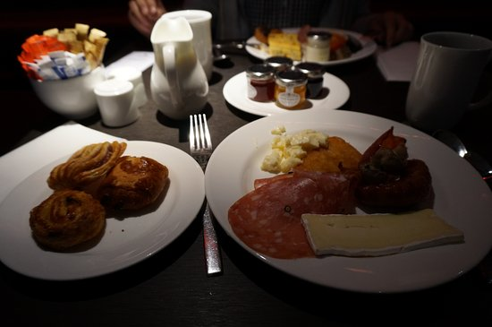 Park Plaza Westminster Bridge London: 朝食の一部です。