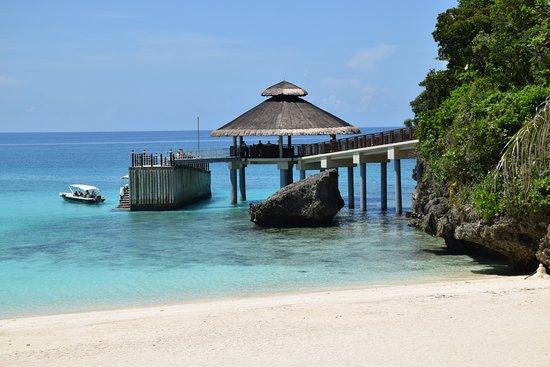 Shangri-La's Boracay Resort & Spa: Boat landing for seaborne transfer from Caticlan