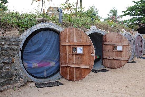 Aqua Hotel trincomalee: Backpacker's Caves