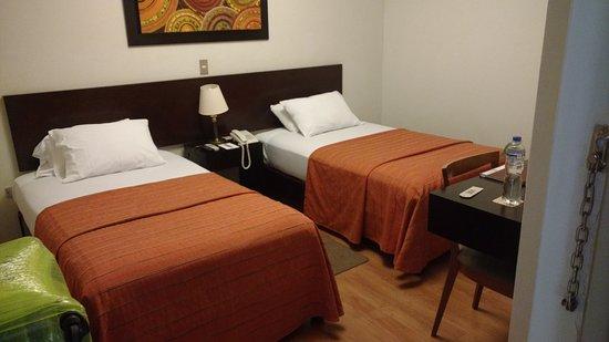 Girasoles Hotel : La habitación en que me hospedé (301).