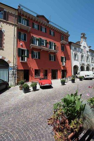 Al Palazzo Rosso