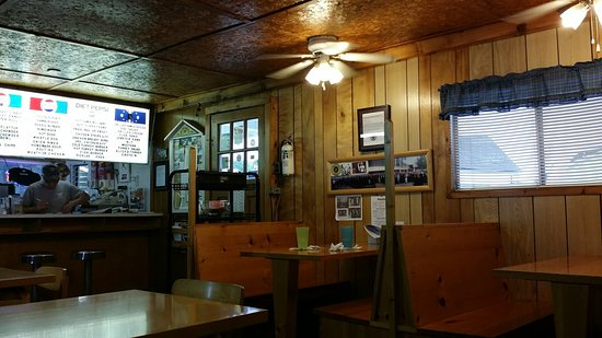 Caledonia, Καναδάς: Lakeview Restaurant & Dairy Bar