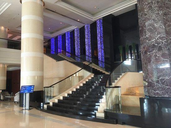 Radisson Blu Cebu: Lobby and exterior views