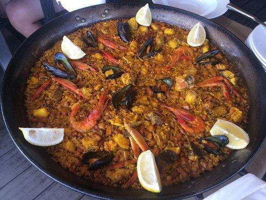 Calo de sant agusti photos featured images of calo de - Paella de pescado ...