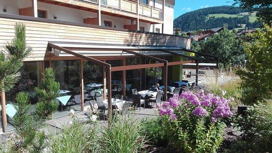 Valdaora, إيطاليا: veranda esterna hotel