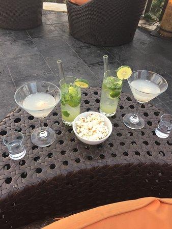 Safka Restaurant & Terrace: Virgin Mojito and Lychee Martini