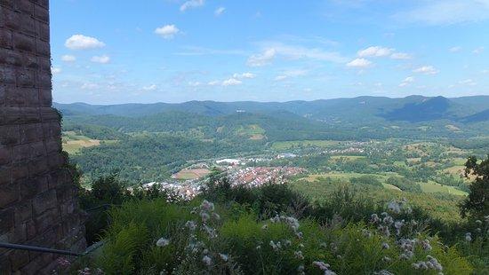 Annweiler am Trifels, Γερμανία: Vue du haut de Burg Trifels