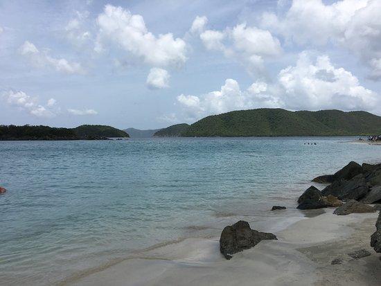 Cinnamon Bay: Very nice beach with very soft sand