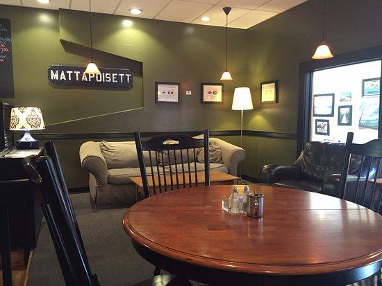 Mattapoisett, แมสซาชูเซตส์: Inside