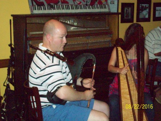 Mabou, Kanada: Excellent Background music