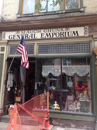 Jim Thorpe, PA: Вход в магазинчик