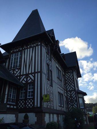 Aumale, Frankrike: La Villa Des Houx