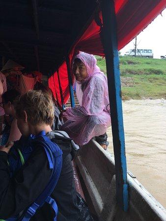 Angkor Express Boat: arrival at Siem Reap in the rain