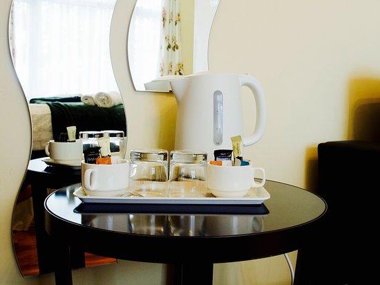 Enfield, UK: Tea/coffee facilities