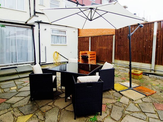 Enfield, UK: Outdoor area