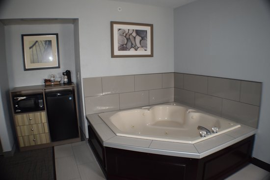 Maumee, OH : Jacuzzi Room