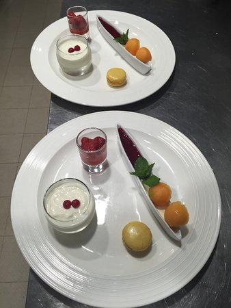 Le Neubourg, ฝรั่งเศส: Nouveau chef pour ses assiettes personnalisé