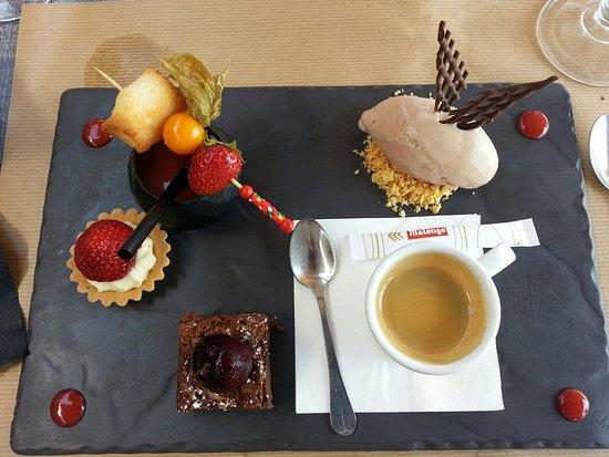 Vieux-Boucau-les-Bains, France: Nos desserts et ceux des enfants