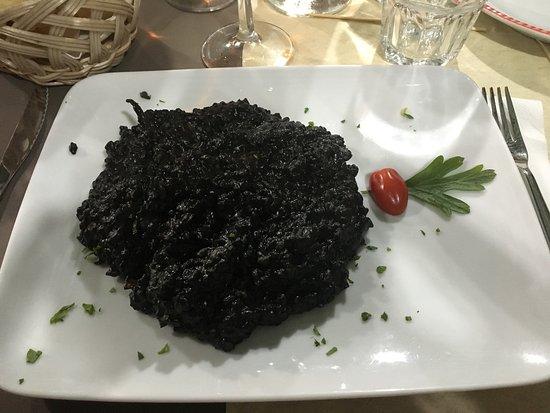 Rio Novo Restaurante: Restaurant au bord du canal... Avec un risotto à tomber par terre. Personnel agréable et très à