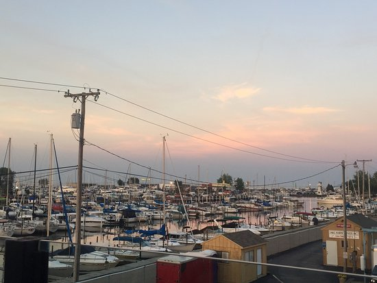 Saint Clair Shores, MI: Fish & Chips and the view