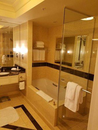 The Palazzo Resort Hotel Casino: King Tower Suite
