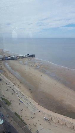 The Blackpool Tower: 20160827_111341_large.jpg